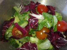 Grøn salat m/æbleeddike marinade & croutoner