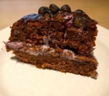 Chokoladekage med blåbærcreme