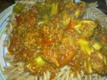 Tomatsovs af friske tomater og oksekød m/ pasta