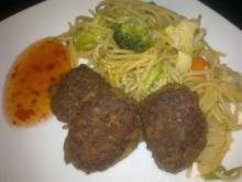 Små tunfrikadeller m/ spaghetti & chilisovs