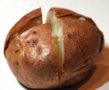 Bagte kartofler i microbølgeovn