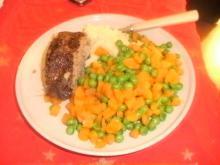Farsbrød med havregryn og kartoffelmos og grønt
