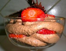 Chokoladecreme dessert m. jordbær