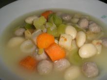 Suppe m. kød og melboller