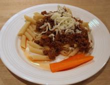 Hurtig og lækker kødsovs med pasta