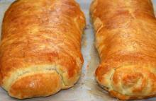 Kalvemedailloner m/ kartofler i butterdej & asparges