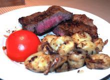 Ribeye, løg, tomat og kartofler