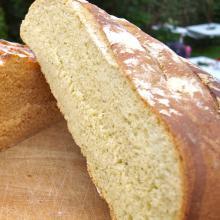 Lækkert brød med grøn pesto
