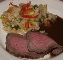 Roastbeef med ristet ris og grønsager