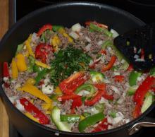 Tærte med oksekød og peberfrugter