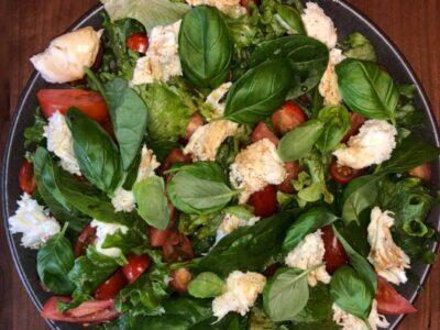 Nem, hurtig og super velsmagende salat til grillbordet